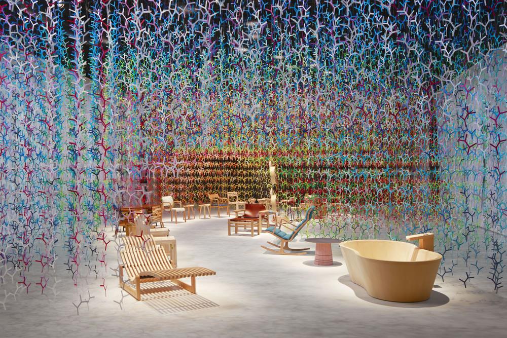 "100 colors #11 - ""Bunshi"" pentru Premiile mobilei japoneze din lemn 2016, ianuarie 2016 Paris, Rive Gauche, martie 2016 Spiral, Tokio. Sursa foto: emmanuellemoureaux.com."