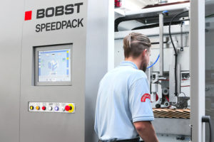 Speedpack de la Bobst este configurabilă în trei variante